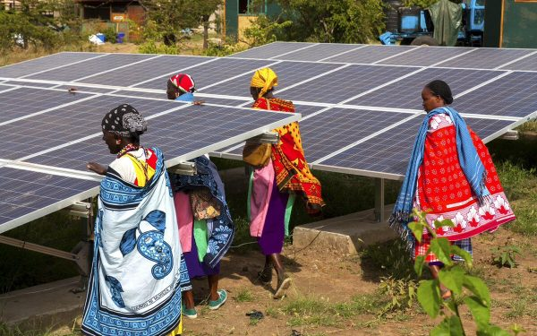 La AIE pide más inversión en energía alternativa para cumplir el Acuerdo de París
