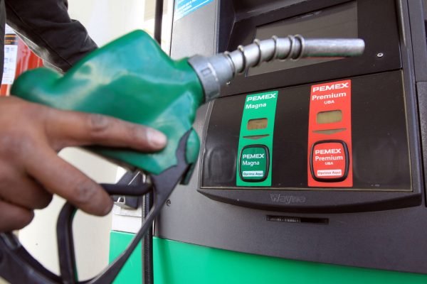 Francia dejará de vender autos a gasolina y diesel al 2040