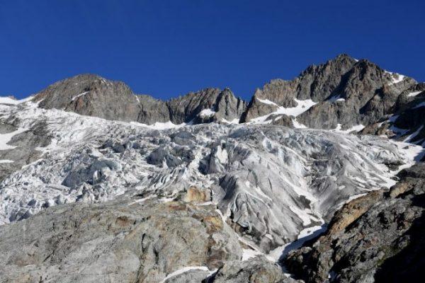 Glaciares de Los Alpes franceses se funden tres veces más rápido que en 2003