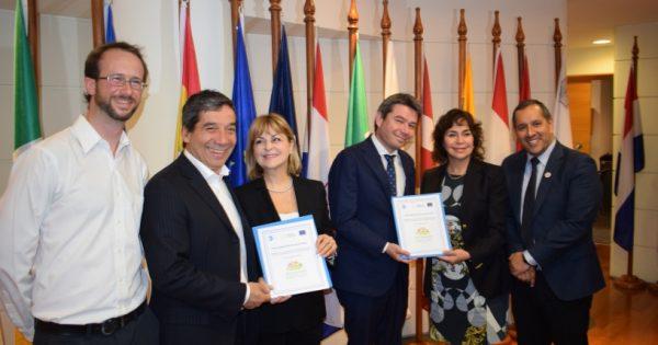 Alcaldes de 32 comunas chilenas firman compromiso para enfrentar el cambio climático