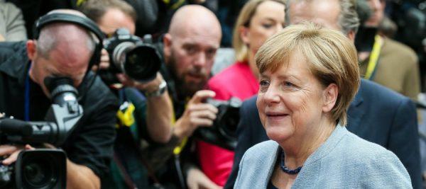 Merkel apremia al mundo industrializado a luchar contra el cambio climático