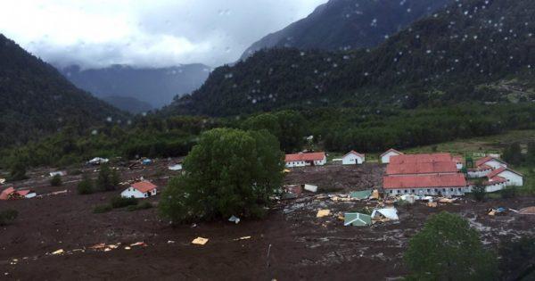 Cambio climático: Desprendimiento de glaciar provocó aluvión en Chaitén