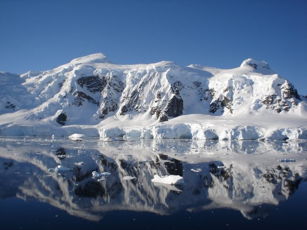"""Entrevista a director del IACH: """"La influencia antártica en la regulación del clima de Chile y el planeta es gigantesca"""""""